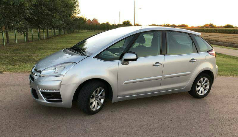 Rent a car Citroen c4 Picasso